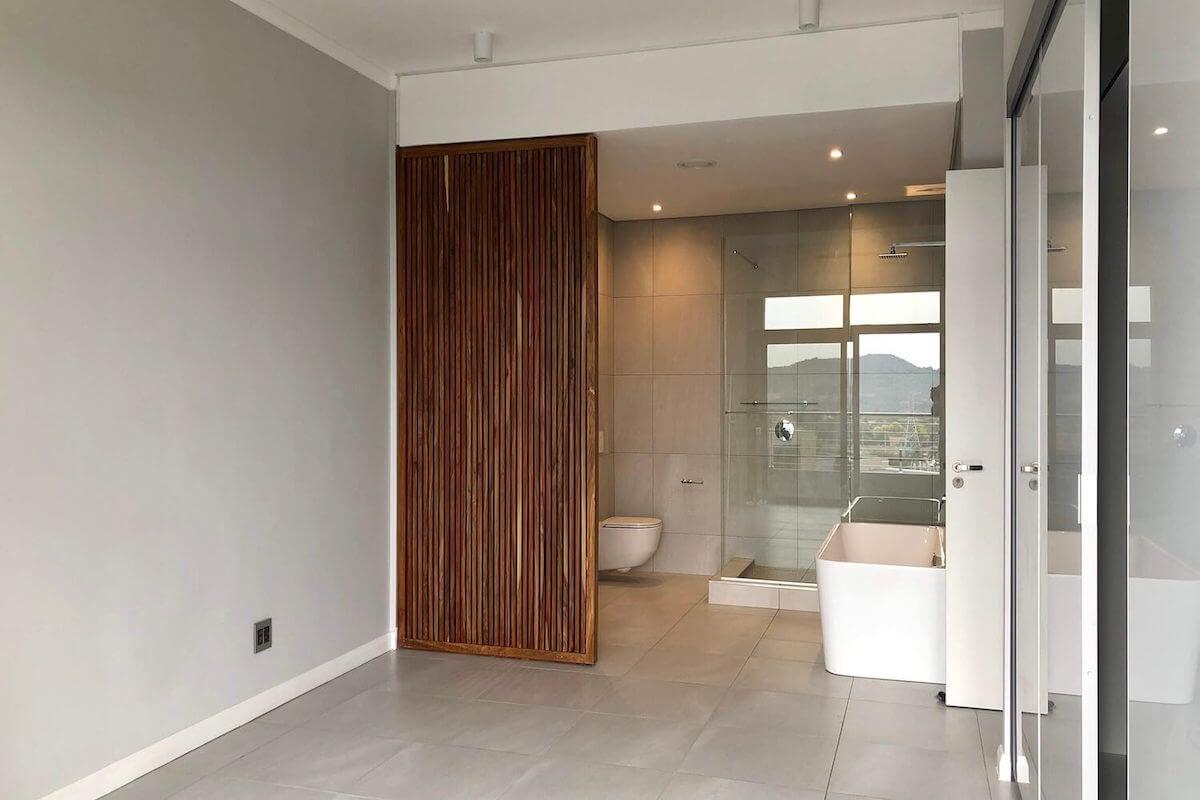 Menlyn Maine Bathroom2